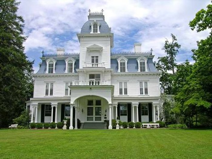 10 Cool Historic Houses That Aren't Biltmore