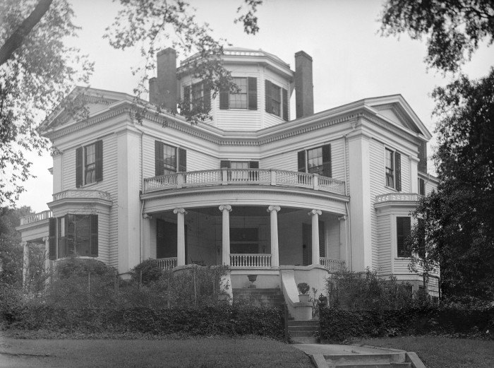 Incredible 15 Historic Houses In Georgia Thatll Leave You Amazed Download Free Architecture Designs Estepponolmadebymaigaardcom