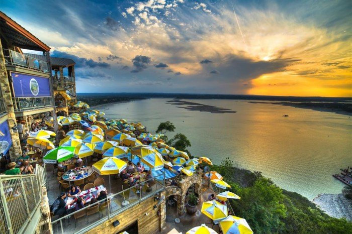 12 Delicious Restaurants With Beautiful Views In Texas