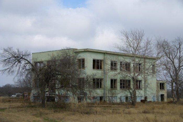 A Creepy Insane Asylum Still Stands In San Antonio, Texas