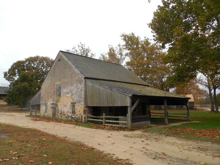 You Will Fall In Love With These 14 Beautiful Old Barns In ...