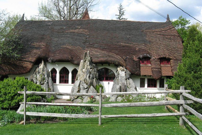 13 Enchanting Fairytale Places In Massachusetts
