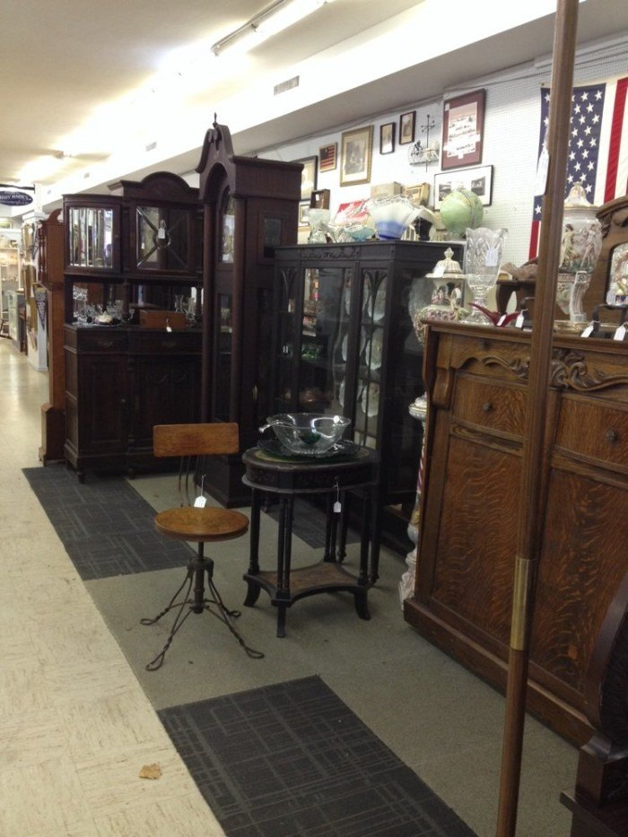 15 Places In Virginia To Find Amazing Antiques