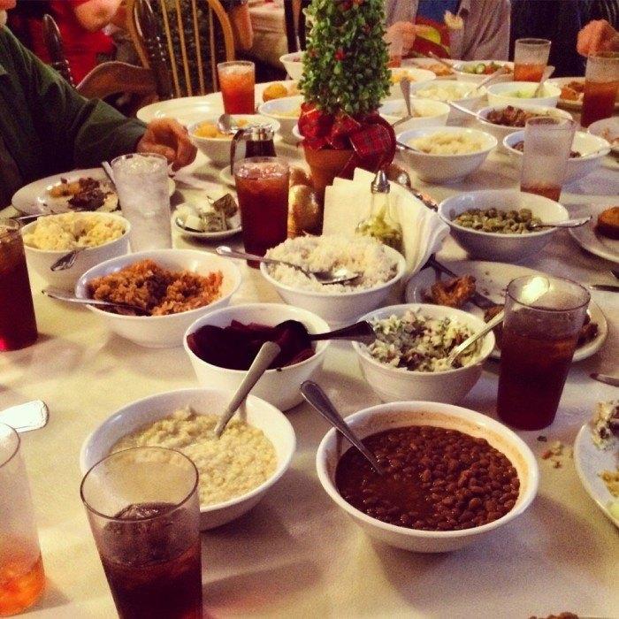 Mrs Wilkes Dining Room Savannah Ga: 11 Restaurants You Have To Visit In Georgia Before You Die