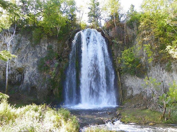 South Dakota waterfalls road trip - Spearfish Falls