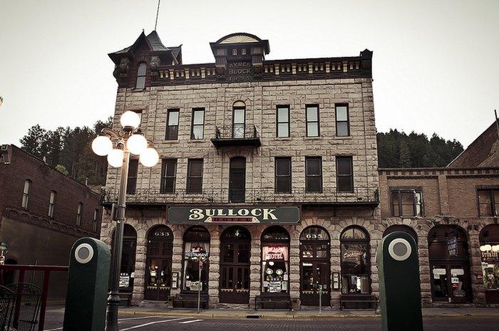 he Infamous, Haunted Bullock Hotel of Deadwood, SD.