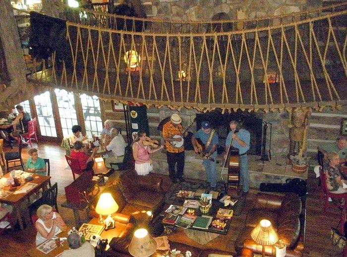 This Unique Restaurant In Virginia Is Unforgettable