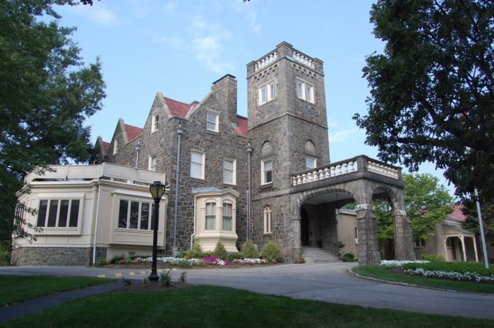 University and Whist Club