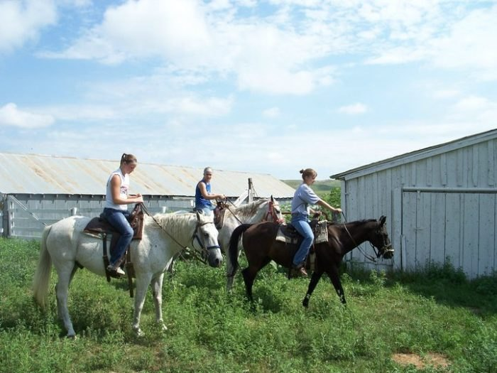 3 Nebraska Guest Ranches Where You Can Be A Cowboy