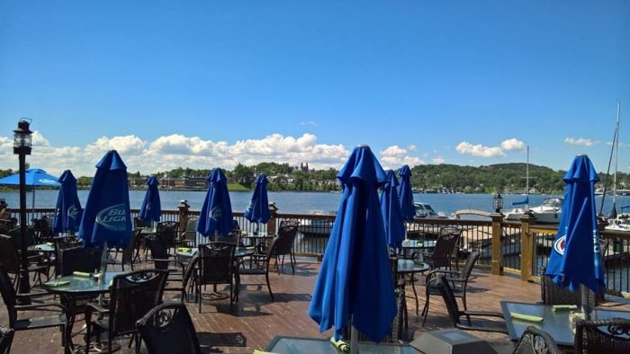 12 Waterfront Restaurants Everyone In Vermont Must Visit