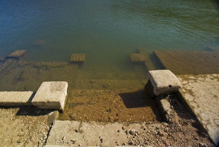 Theres An Underwater Ghost Town Hiding Here In Arkansas
