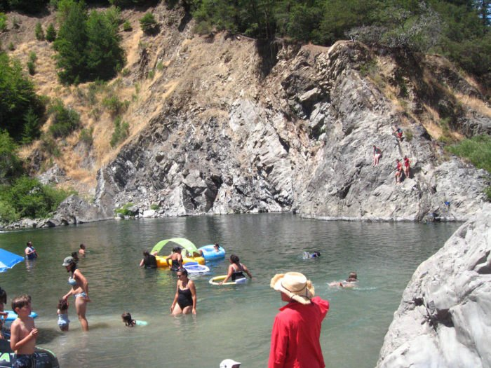 7 Of The Best Swimming Holes in Northern California To Beat