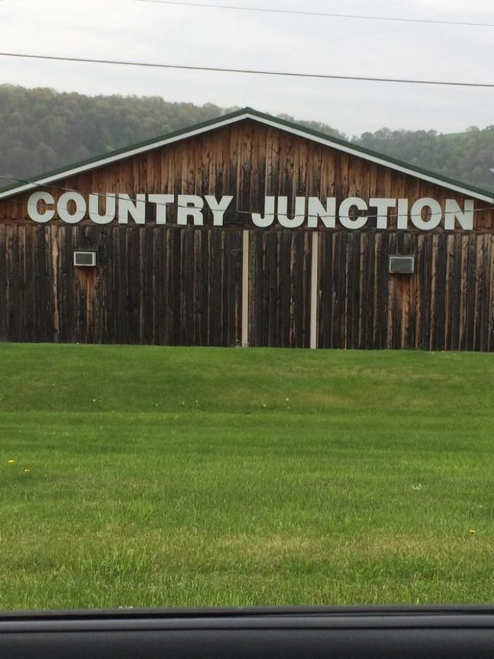Country Junction Is A Delicious Restaurant Near Pittsburgh