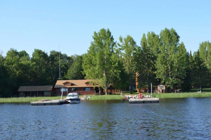 Vacation At The Remote Oak Island In Minnesota For A