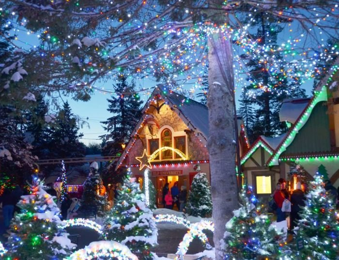 Christmas Theme Park.Santa S Village Is The New Hampshire Christmas Park You Must