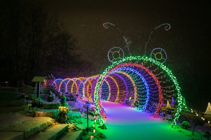 Check Out The 11 Best Christmas Lights Displays In Wisconsin