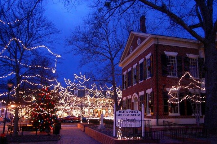 Christmas Town In Georgia Dahlonega.Main Streets In Georgia That Are Magic During Christmas