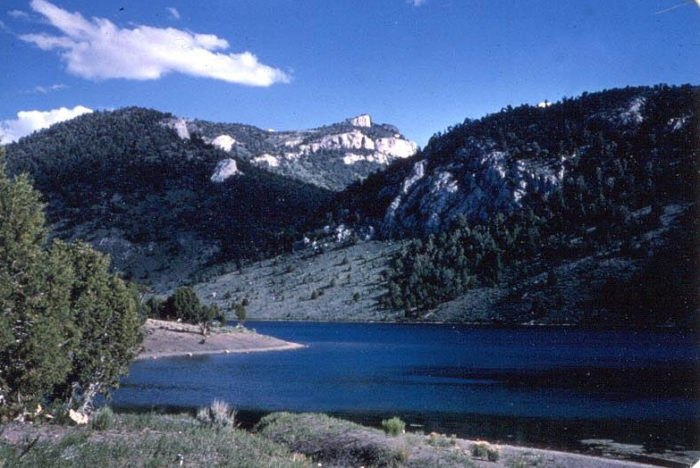 Cave Lake State Park