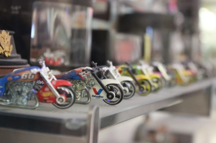 Flashback Toys & Collectibles