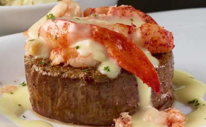 11 Of The Most Romantic Restaurants In Rhode Island To Visit