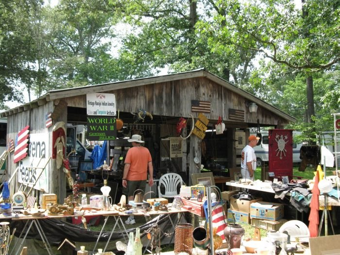This 100-Mile-Long Yard Sale Goes Right Through Tennessee