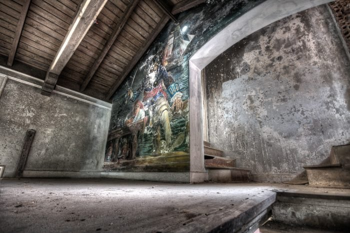 10 Photos Of A Beautiful Abandoned Mansion In Texas