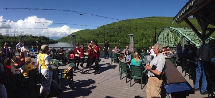 You'll Love This Rooftop Restaurant In Vermont That's Beyond Gorgeous