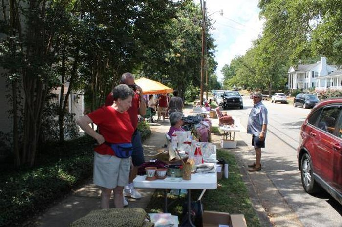 You Ll Absolutely Love This 85 Mile Yard Sale Going Right Through