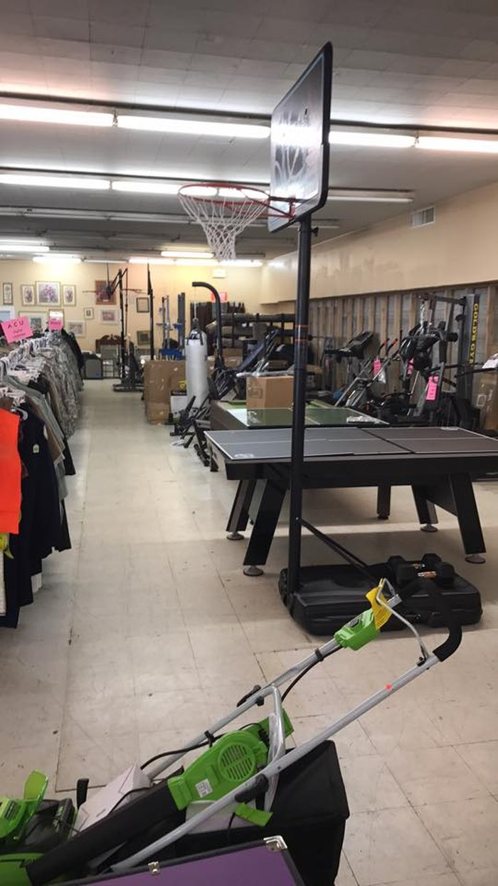 17 Incredible Thrift Stores In Kentucky