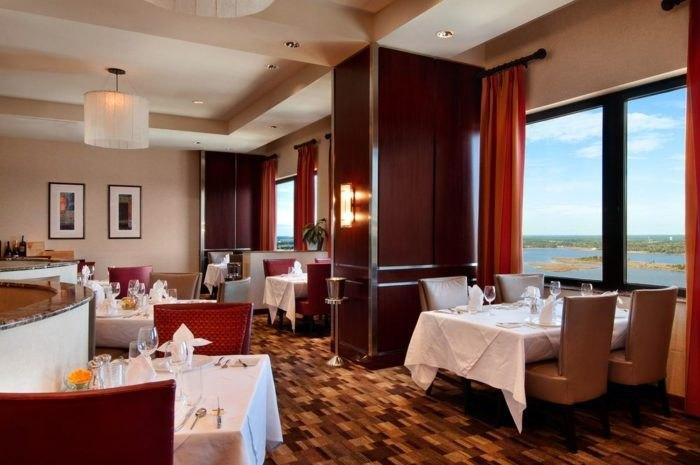 The 10 Best Beachfront Restaurants In Mississippi