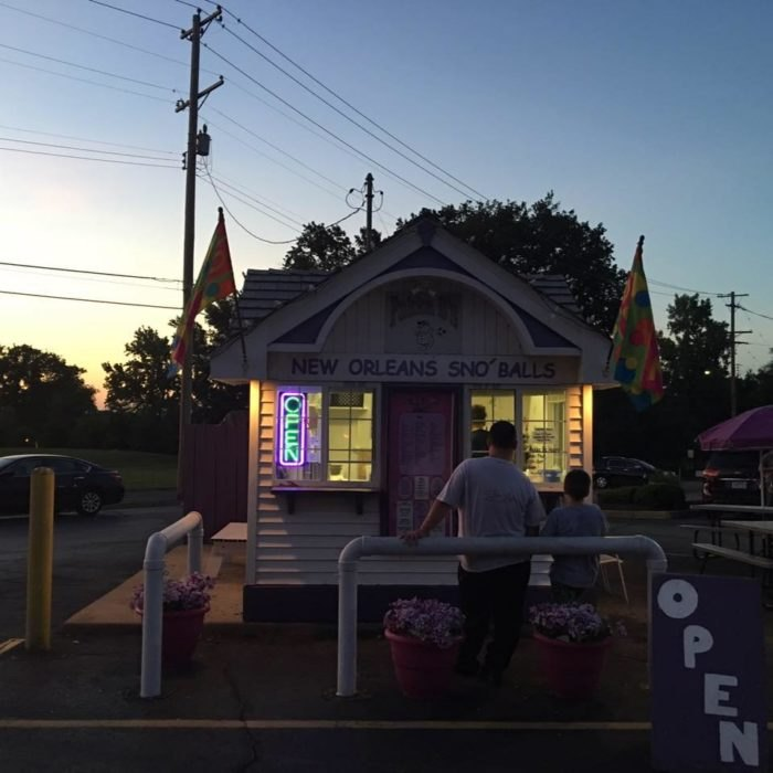 10 Snow Cone Shops In Missouri To Visit This Summer