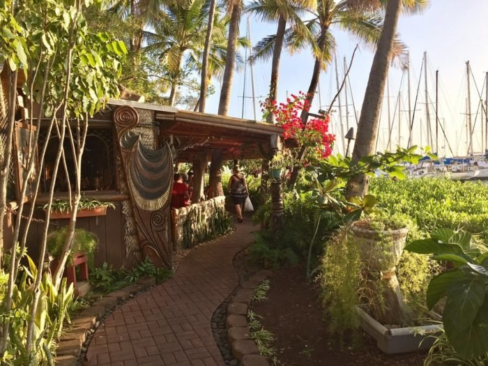 These 12 Restaurants Serve The Best Mai Tais In Hawaii