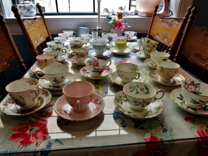6 Best Old-Fashioned Tea Rooms In Illinois