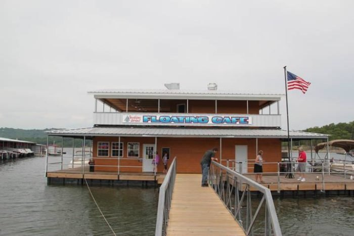 Dine On The Water At This Floating Cafe In Missouri