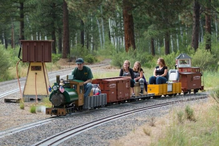 The Oregon Train-Themed Road Trip That Will Take You On The
