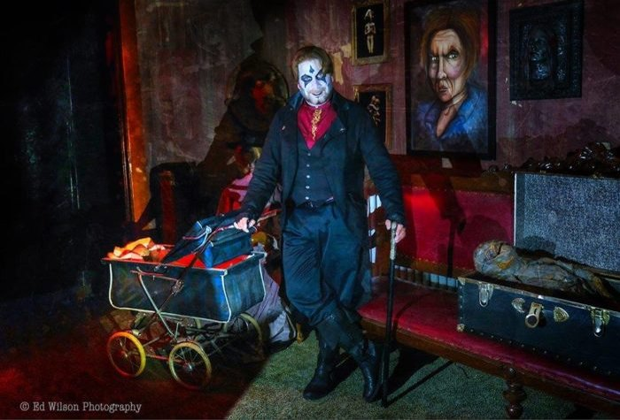 13 Best Haunted Houses In Illinois For