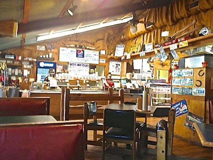 Jucy\'s Is A Rustic BBQ Restaurant In Kentucky