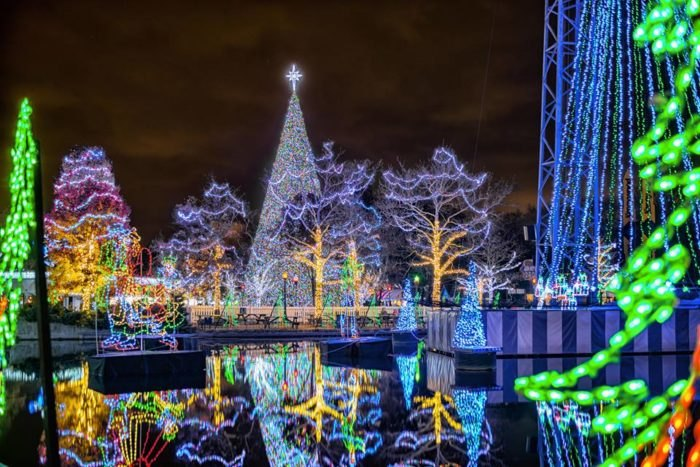 Kennywood Christmas.Holiday Lights At Kennywood The Winter Walk In Pittsburgh