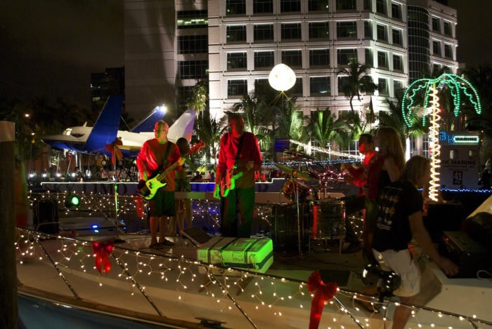 Christmas Boat Decorations.This Amazing Boat Parade Is The Perfect Way To Celebrate