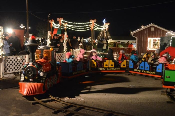 Overlys Country Christmas.Overly S Country Christmas Is Best Christmas Village Near