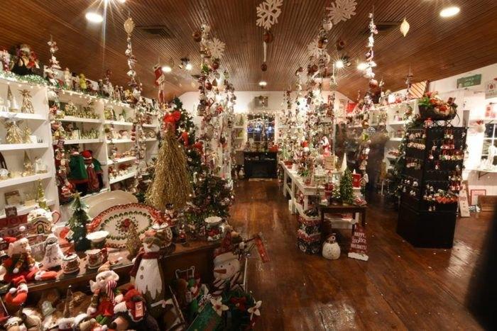 Milleridge Inn Christmas Village 2018.Milleridge Inn Shopping Village In New York Is Enchanting