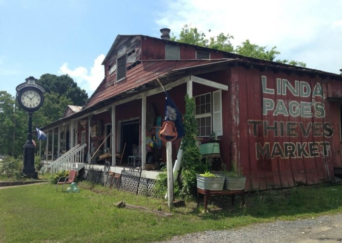 Everyone In South Carolina Should Visit This Giant Antique