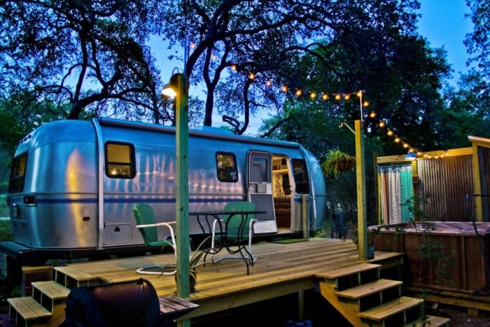 The Dixie Daisy Airbnb Is The Best Place To Go Glamping In Texas
