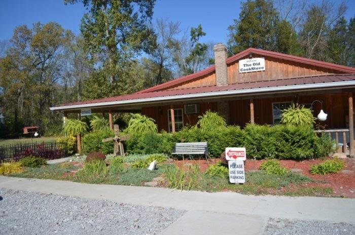 The Old Cookstove Is A Rural Restaurant Hidden Gem In Alabama
