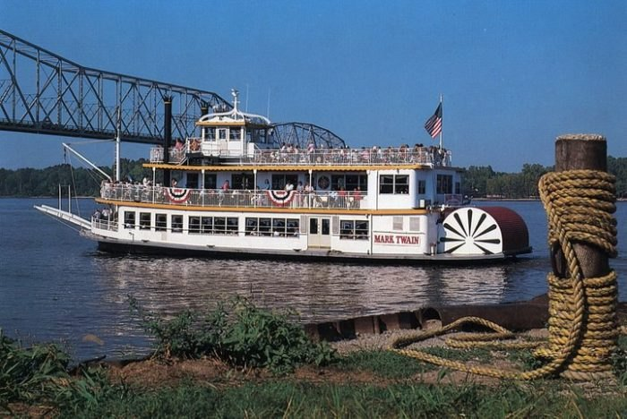Spend A Perfect Day On This Old-Fashioned Paddle Boat Cruise