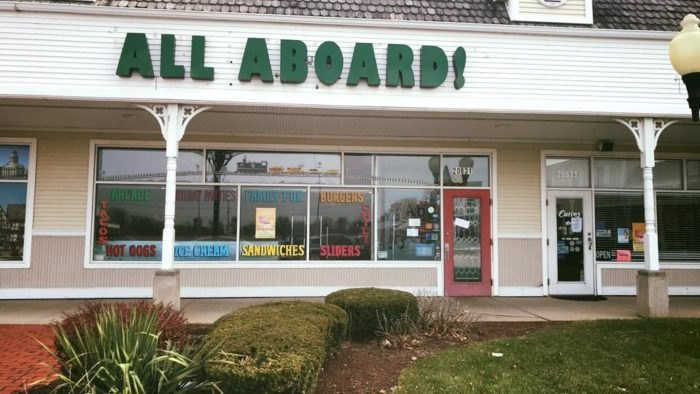 11 Train Themed Restaurants In Illinois For Railfans And