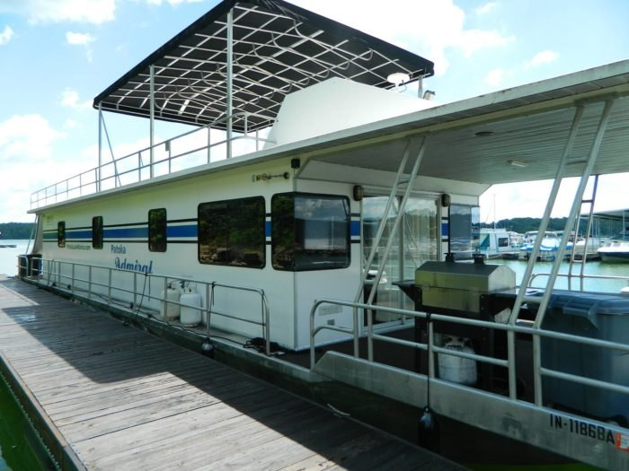 You'll Love Your Stay At These Houseboats At Patoka Lake