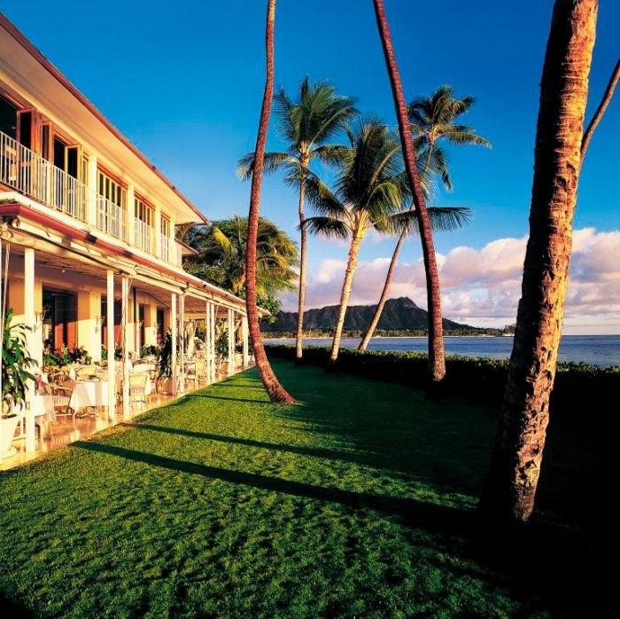 Hawaii S Halekulani Hotel Serves The Best Sunday Brunch Ever
