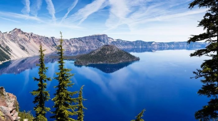 The Epic Lake Boat Tour That Belongs On Every Oregonian's Bucket List