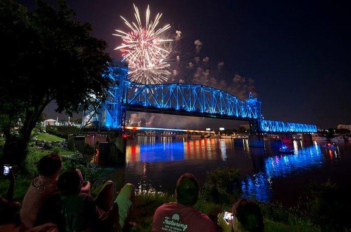 7 Best Fireworks Displays In Arkansas In 2018